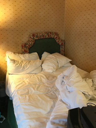 Brook Marston Farm Hotel: The Smallest Bed Ever