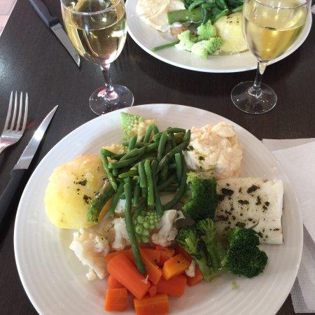 Restaurant le puits du mouton dans salon de provence avec - Restaurant le paradou salon de provence ...