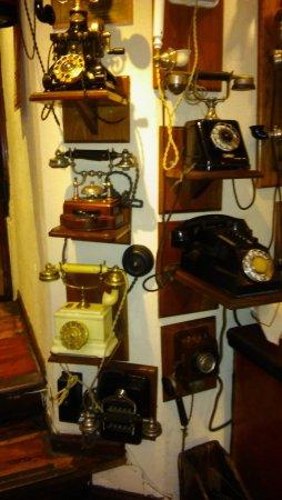 Clarks Steak House: telefonos antiguos