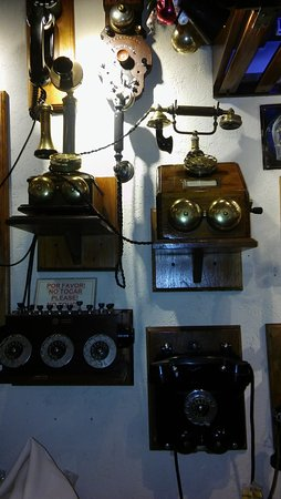 Clarks Steak House: otra variedad de telefonos