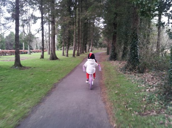 Templemore, Ireland: Cycling through the Park