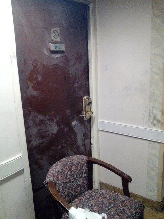 جاردن بلازا هوتل أتلانتا نوركروس: Outside of Room 817 after Fire