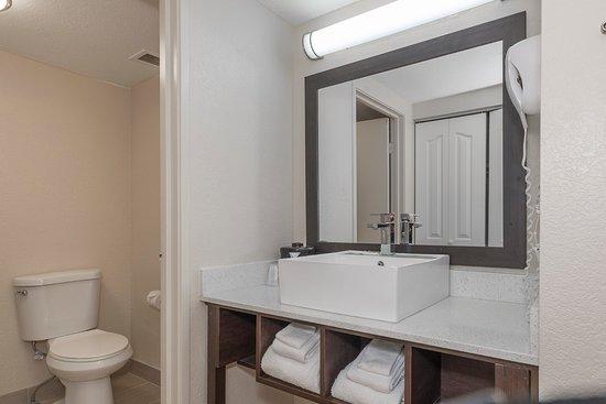 Red Roof Plus Suites Knoxville West Cedar Bluff Premium Bathroom Vanity