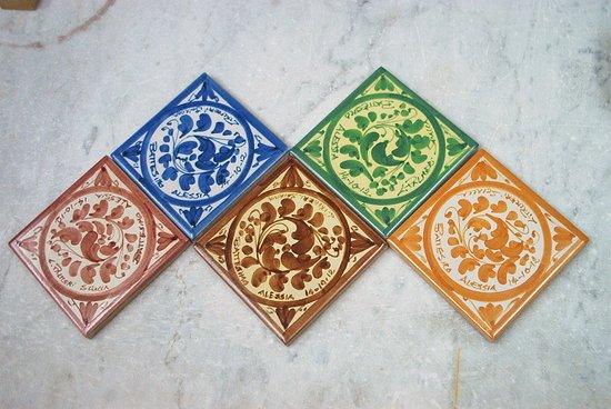 Piastrelle foglietta bomboniere ceramiche artistiche