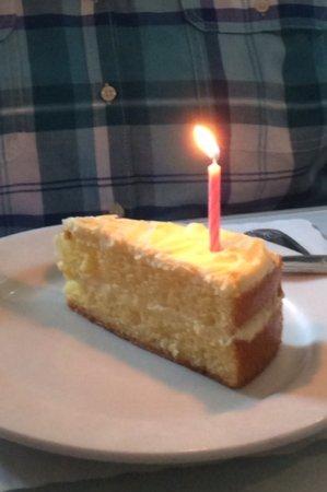 Brentwood, Californie : Lemon cello cake
