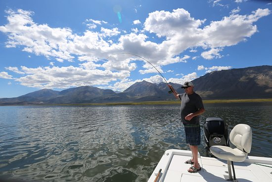 Mammoth Lakes, Kaliforniya: Fishing in the Eastern Sierra with Sierra Drifters