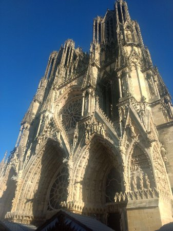 Cathedrale Notre Dame De Reims: Front View Reims Cathedral