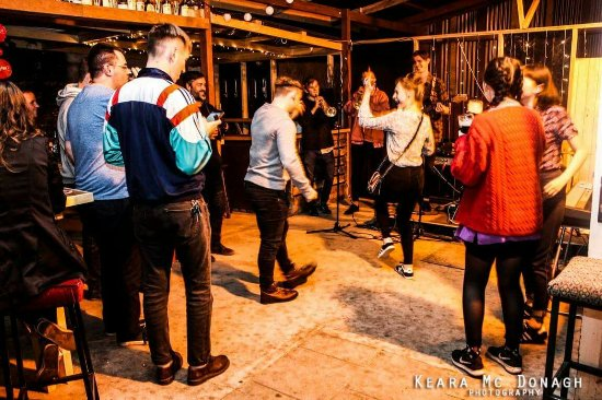 Cootehill, Irlanda: Tir na n-Og