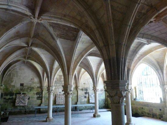 Saint Bris des Bois, Francia: P1090095_large.jpg