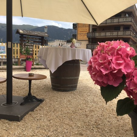 Les Peup le praz weddings and apres
