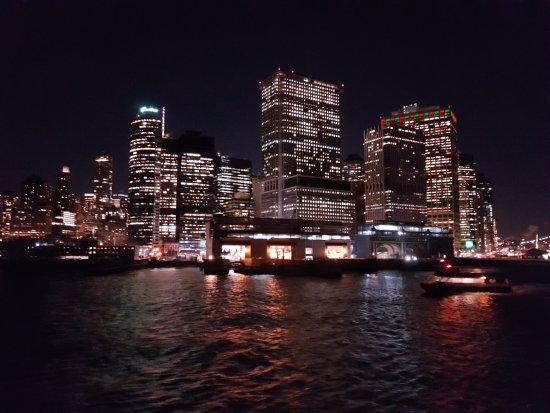 Fairview, NJ: Incluye ferry a Staten Island....no solo las luces de navidad