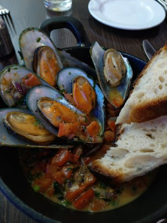 Gatley, UK: Mussels were superb