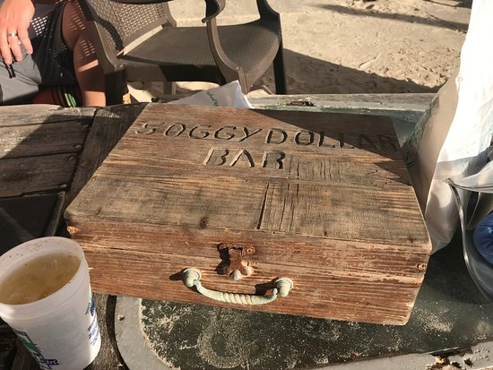 Soggy Dollar Bar: Survived the hurricanes.