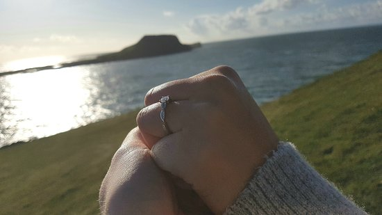 Rhossili Bay: The perfect backdrop for our engagement