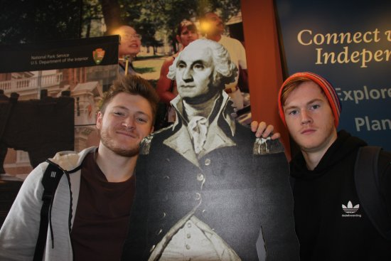 Independence Visitor Center : George and the boys