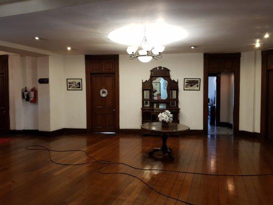 クイーンズホテル Image