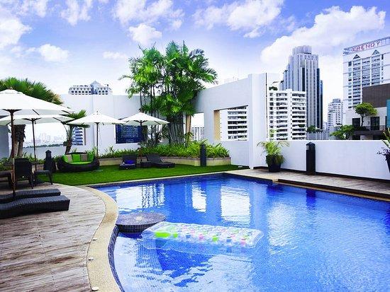 Grand Mercure Bangkok Asoke Residence: Exterior