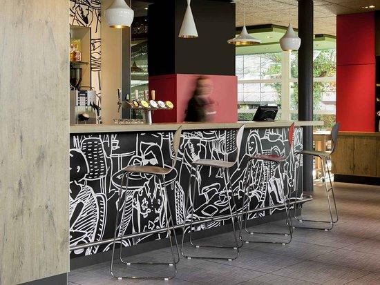 ibis gen ve a roport hotel cointrin voir les tarifs 258 avis et 143 photos. Black Bedroom Furniture Sets. Home Design Ideas