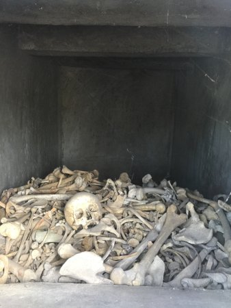 Douaumont, Francia: Grave under the Ossuary
