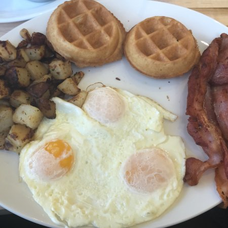 Aurora, Canada: A few breakfast specials: all yummy!