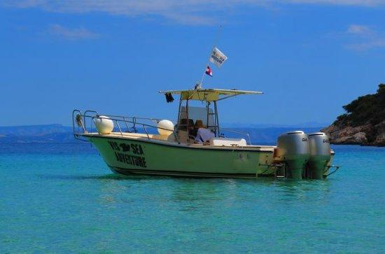 Crewed power båtutleie på øya Vis