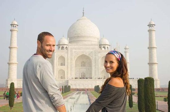 2 Days:Taj Mahal Tour for Honeymoon...