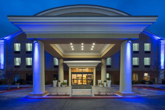 Holiday Inn Express Nicholasville: Exterior
