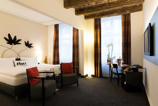 Hotel Basel: Guest room