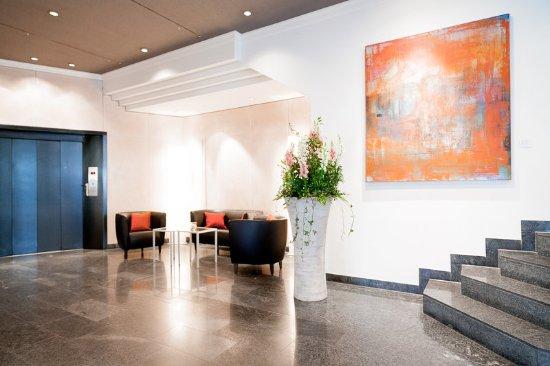 Hotel Basel: Lobby