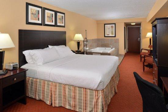 Holiday Inn Martinsburg: Suite