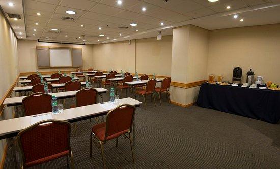 Holiday Inn Express Puerto Madero: Meeting room