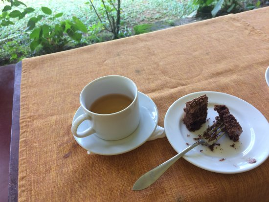 A&M Tours: Sri Lankan Tea favour with Black chocolet cake