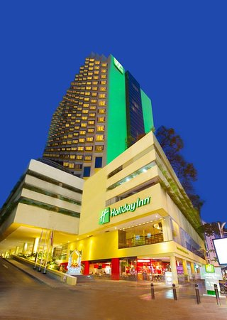 Holiday Inn Bangkok Silom: Exterior