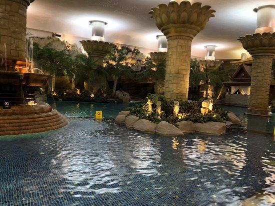 Livng room junior suite picture of grand hyatt beijing beijing tripadvisor for Grand hyatt beijing swimming pool