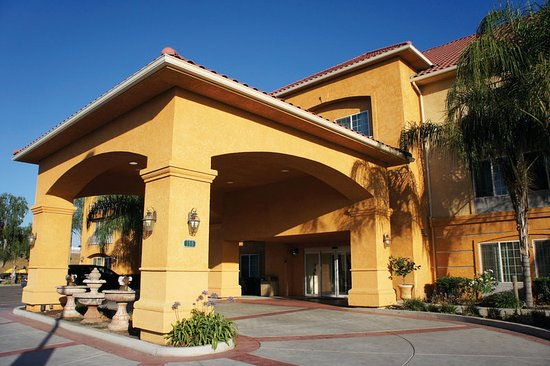 Fowler, Калифорния: Exterior