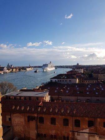 Hilton Molino Stucky Venice Hotel: 20171209_083851_large.jpg
