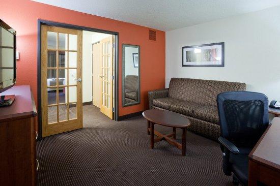 Grafton, Dakota Północna: Suite