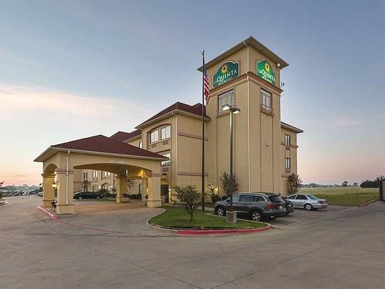Alvarado, TX: Exterior