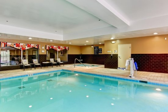 Homewood suites cincinnati airport south florence for Pool show florence sc