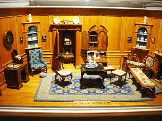 Nunnington, UK: one of the nice miniature rooms