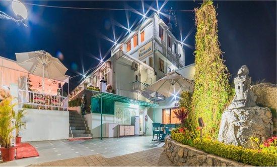 Hotel Karnavati