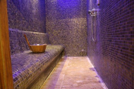 Lapta, Cypern: Seven Waves Spa / Steam Room