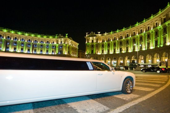 Bcool Luxury Limousine