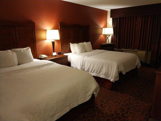 Hampton Inn Medford : bed is comfortable as Hilton usual