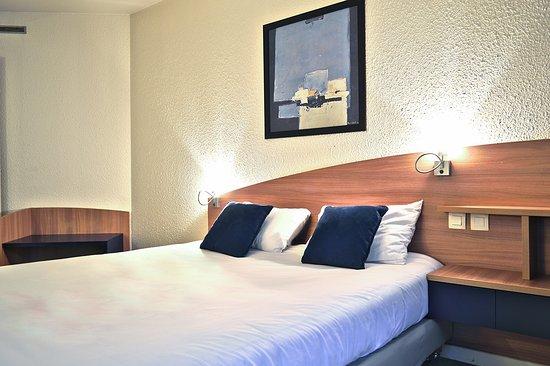 art hotel paris est now 48 was 5 1 updated 2017 apartment reviews pantin france. Black Bedroom Furniture Sets. Home Design Ideas
