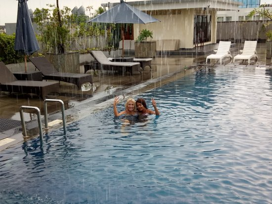 Champlung Mas Hotel: Roof Top Pool