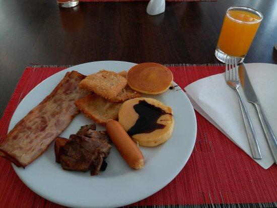 Ramada Phuket Deevana: Sumptuous breakfast