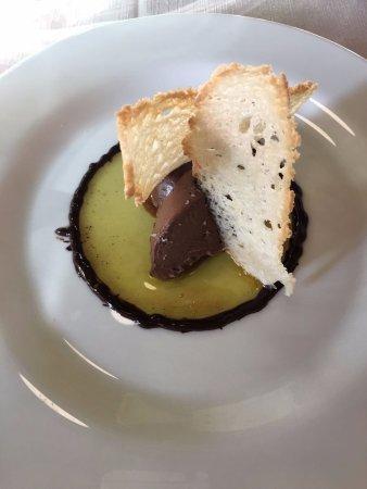 Ristorante Pantagruel: Cioccolato, pane croccante e olio EXO