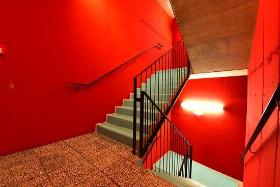 Hotel Konig Von Ungarn: Staircase of the modern tract