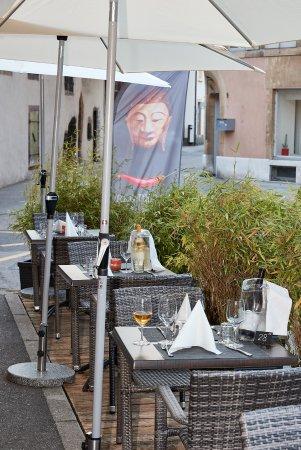 Saint-Blaise, Zwitserland: 24 places en terrasse voous attendent pendant les beaux jours